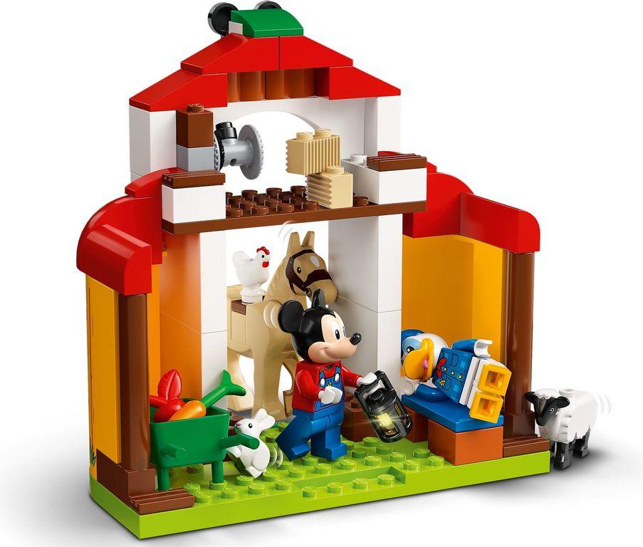 LEGO® Disney Mickey Mouse & Donald Duck's Farm interior