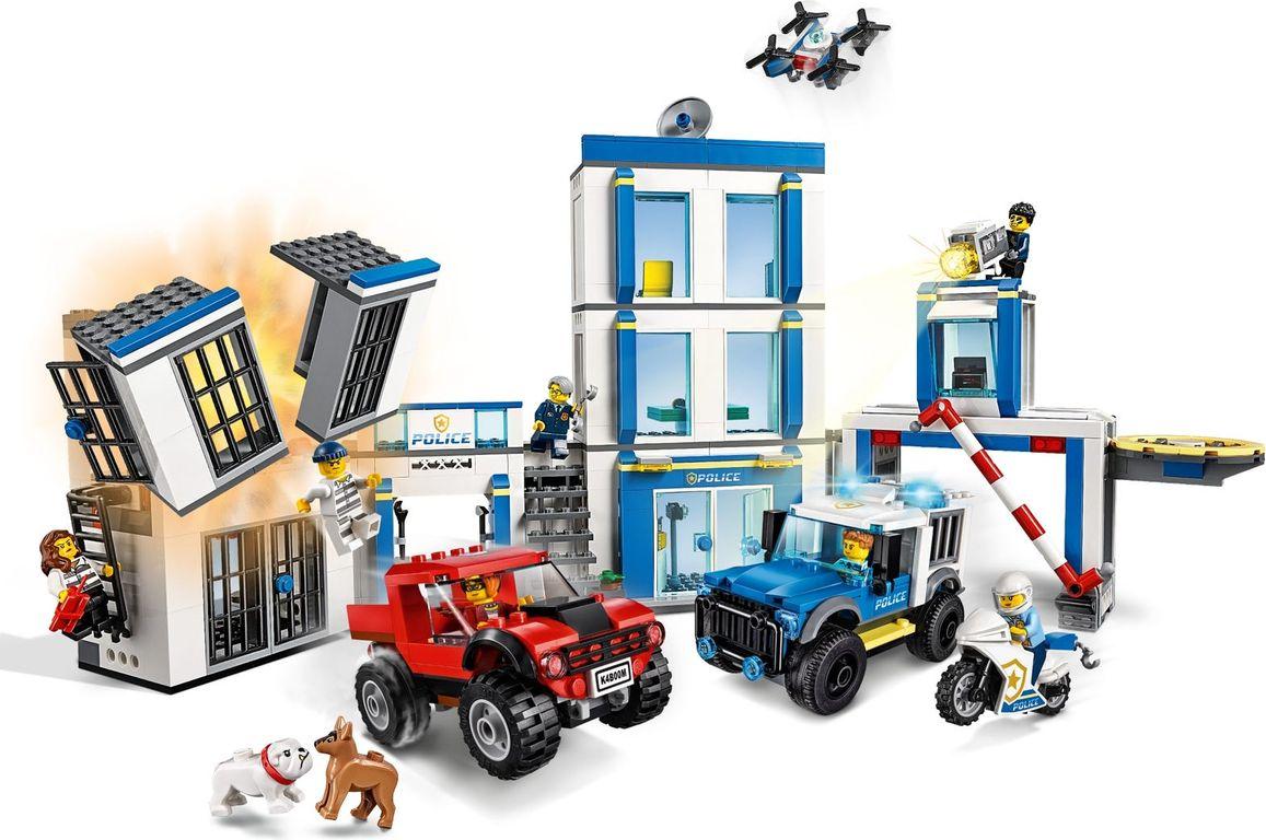 LEGO® City Police Station gameplay