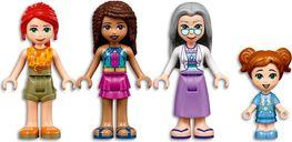 LEGO® Friends Surfer Beachfront minifigures