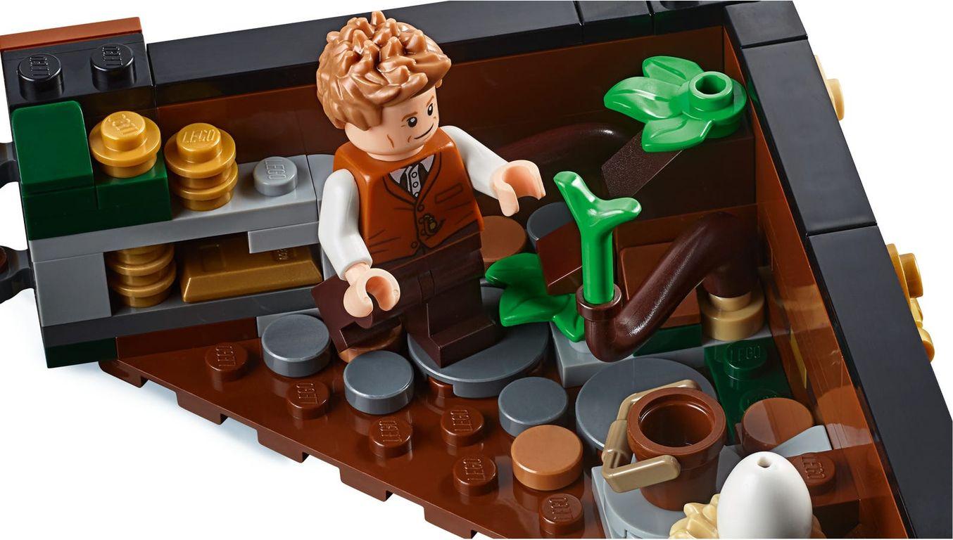 Newt Scamander Suitcase Kit gameplay
