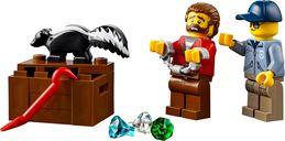LEGO® City Wild River Escape minifigures