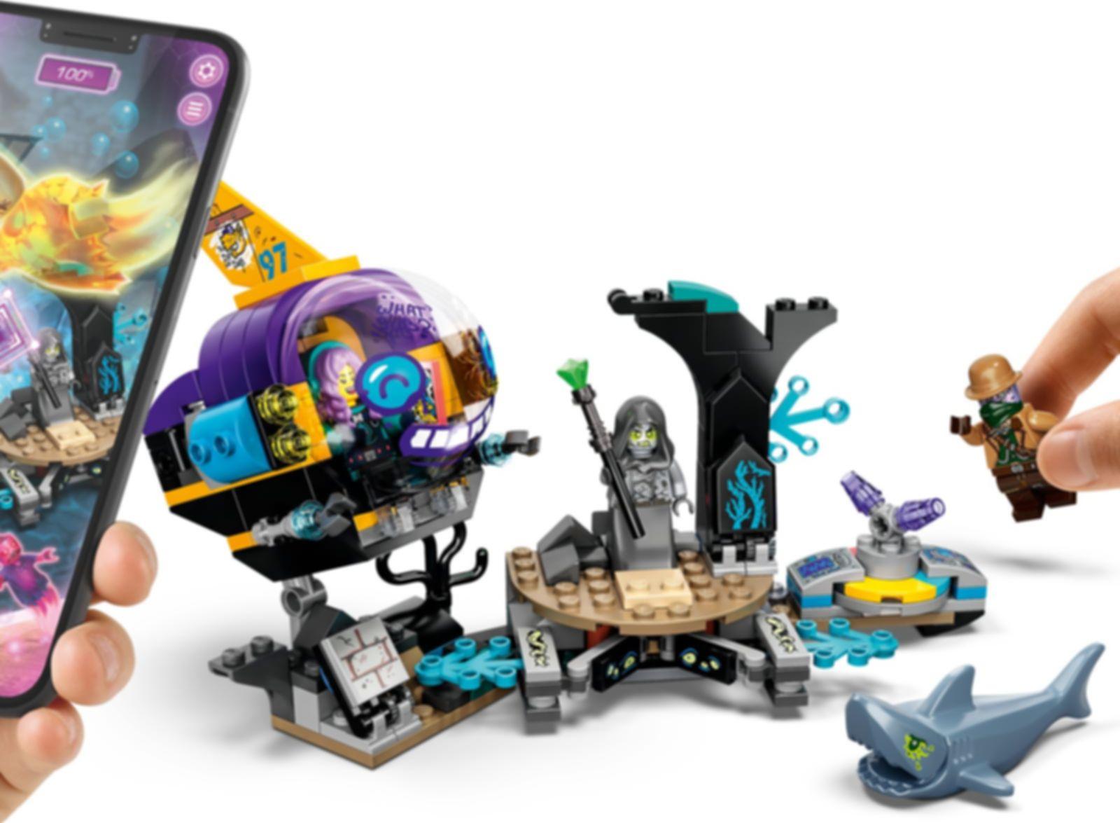 LEGO® Hidden Side J.B.'s Submarine gameplay