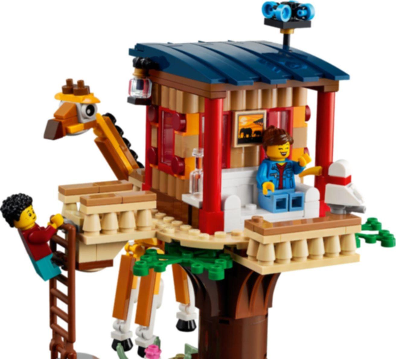 LEGO® Creator Safari Wildlife Tree House gameplay