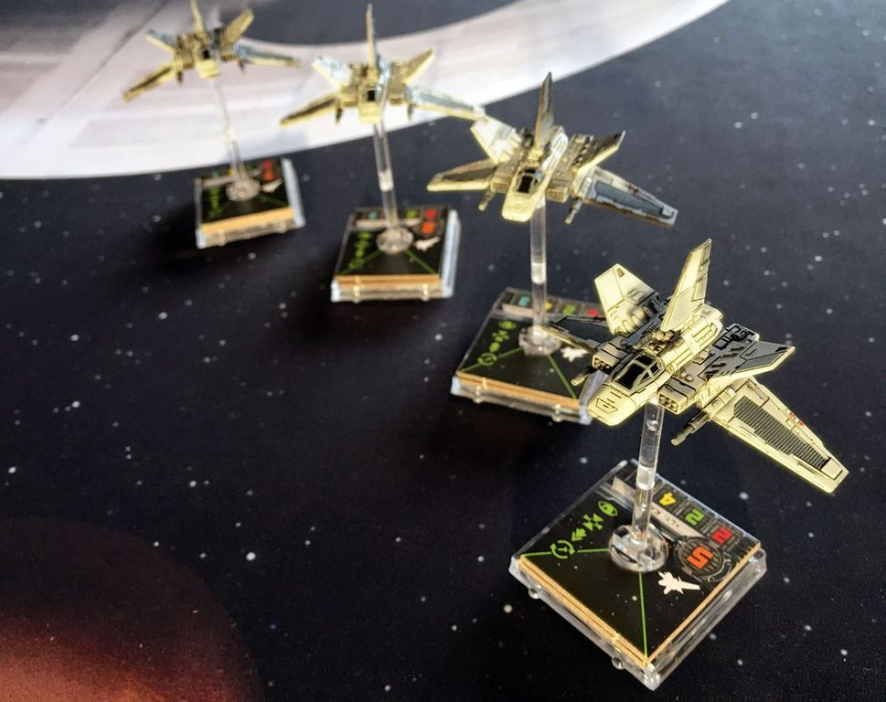 Star Wars: X-Wing Miniatures Game - Alpha-Class Star Wing Expansion Pack miniatures