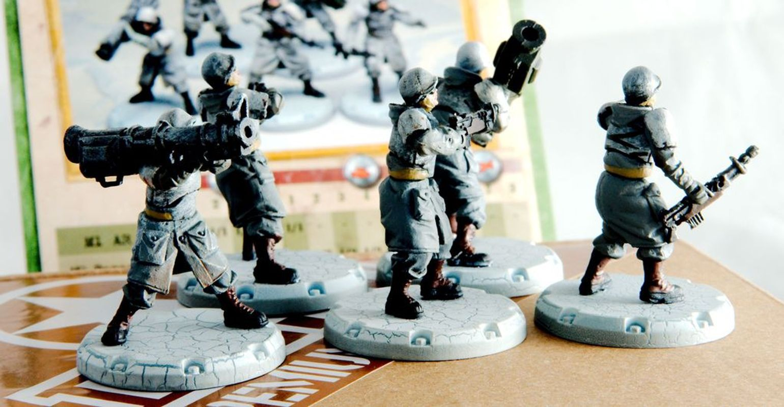 "Dust Tactics: Combat Rangers Squad - ""The Gunners"" miniatures"