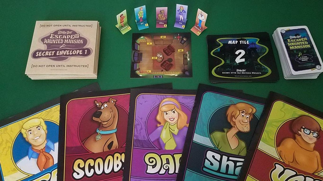 Scooby-Doo: Escape from the Haunted Mansion components
