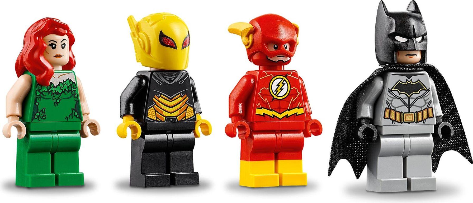 LEGO® DC Superheroes Batman™ Mech vs. Poison Ivy™ Mech minifigures