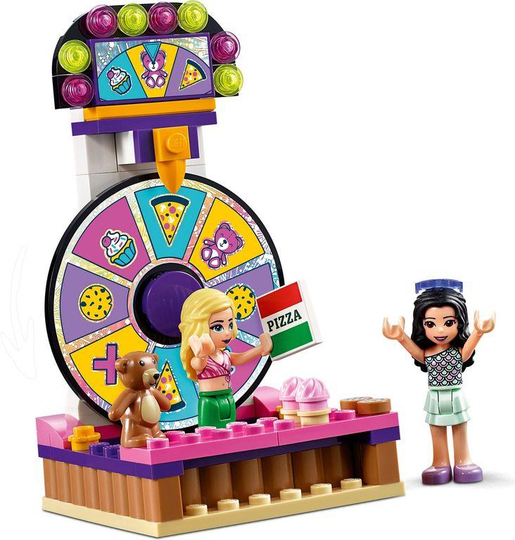 LEGO® Friends Heartlake City Amusement Pier minifigures