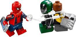 LEGO® Marvel Beware the Vulture minifigures