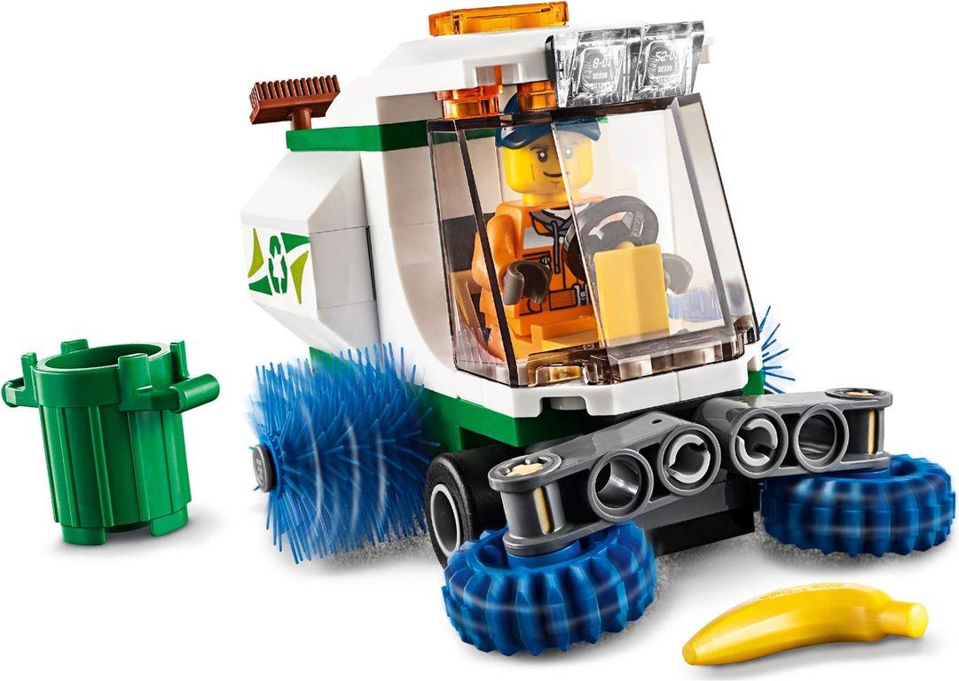 LEGO® City Street Sweeper gameplay