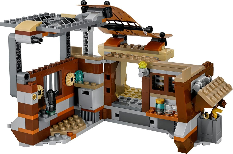 LEGO® Star Wars Encounter on Jakku™ interior