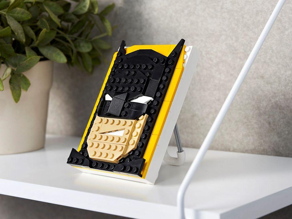 LEGO® Brick Sketches™ Batman™ components