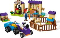 LEGO® Friends Mia's Foal Stable gameplay