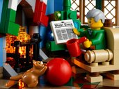 LEGO® Creator Expert Winter Village Cottage minifigures