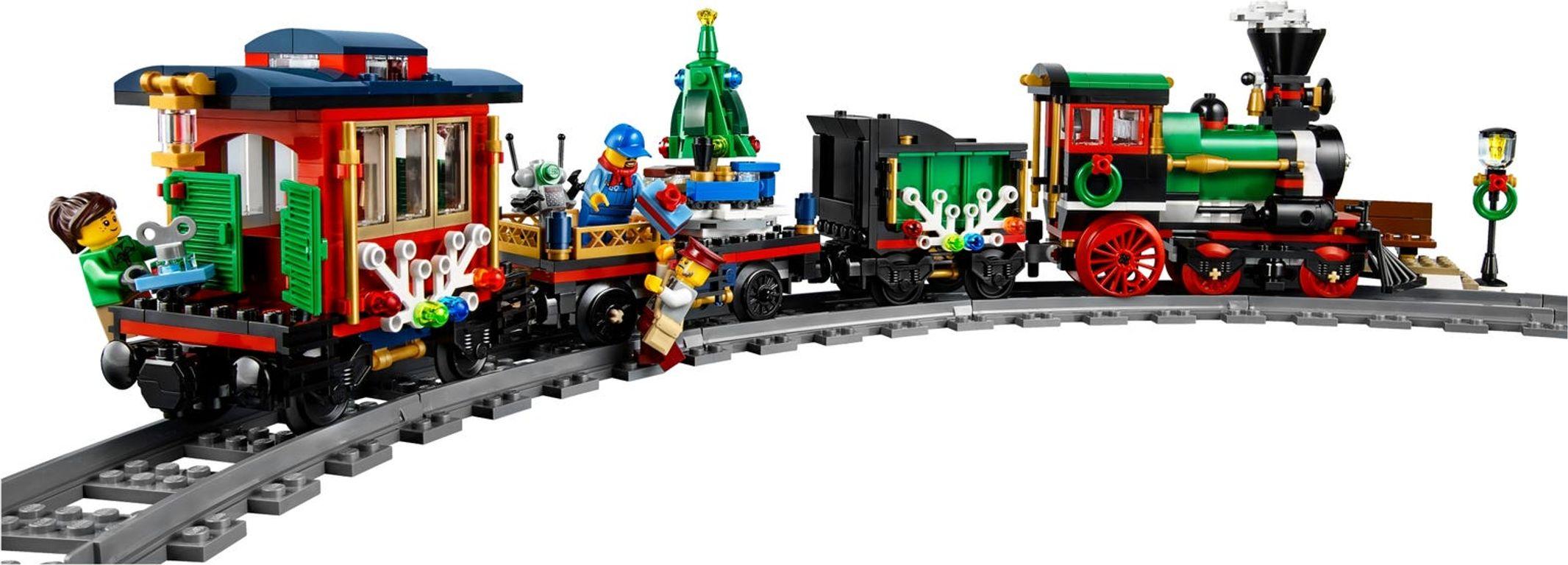 LEGO® Creator Expert Winter Holiday Train gameplay