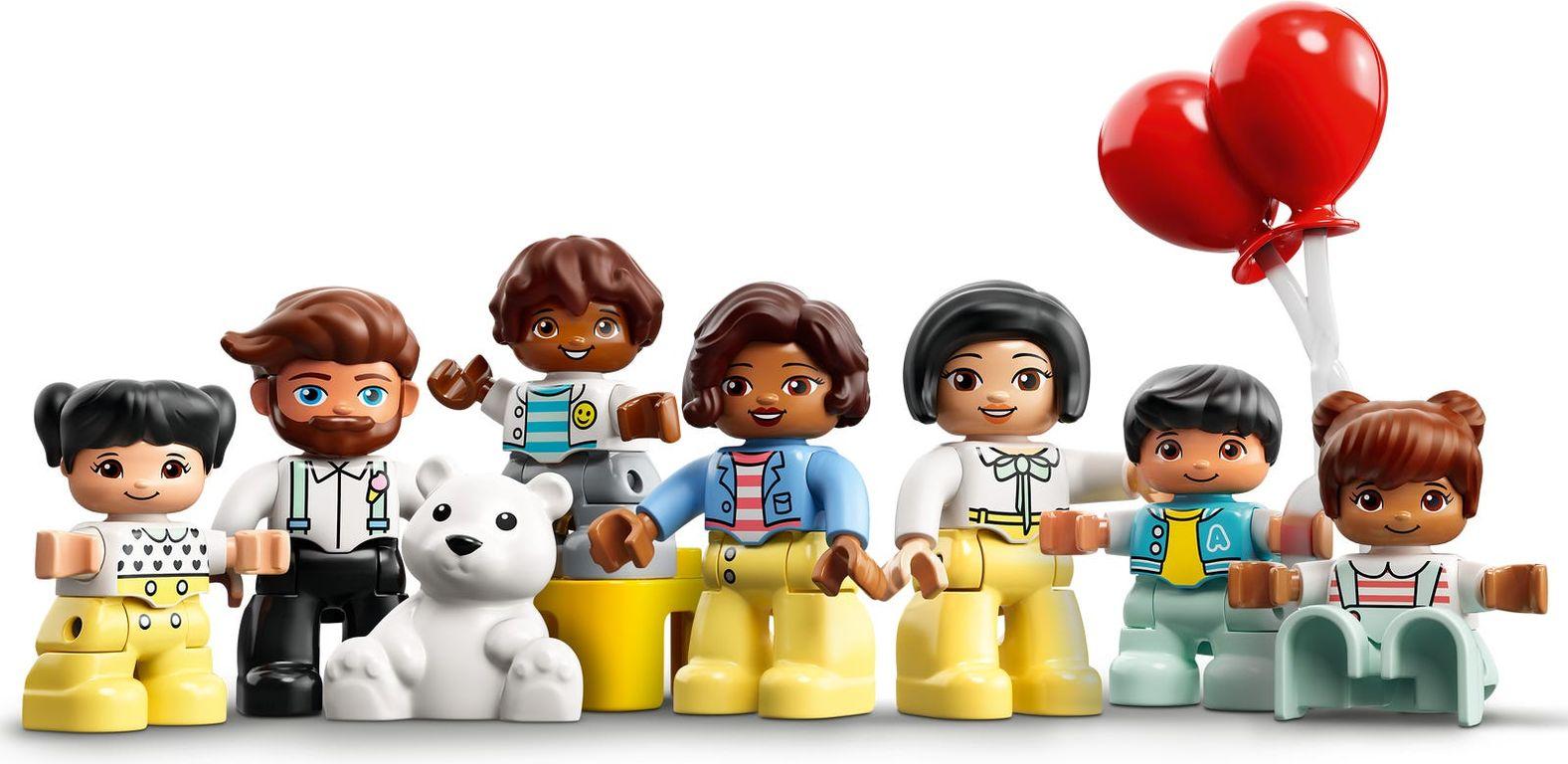 LEGO® DUPLO® Amusement Park minifigures