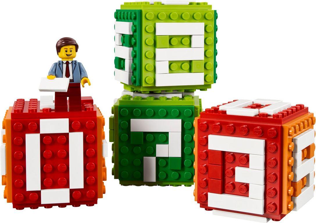 Iconic Brick Calendar components