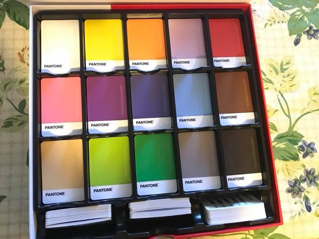 Pantone: The Game cards