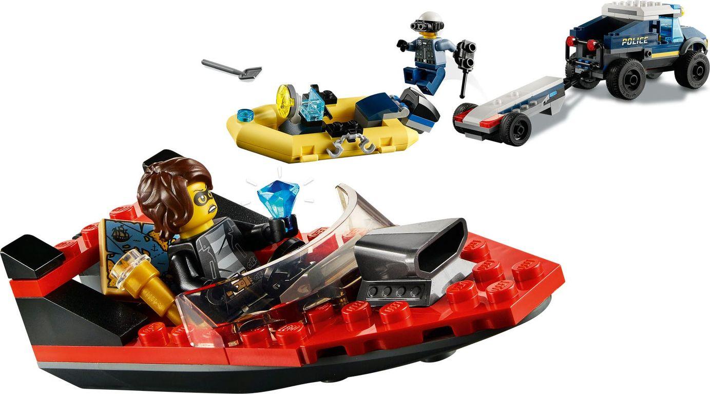 LEGO® City Police Boat Transport gameplay