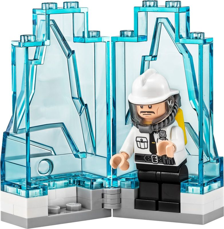 Mr. Freeze™ Ice Attack minifigures
