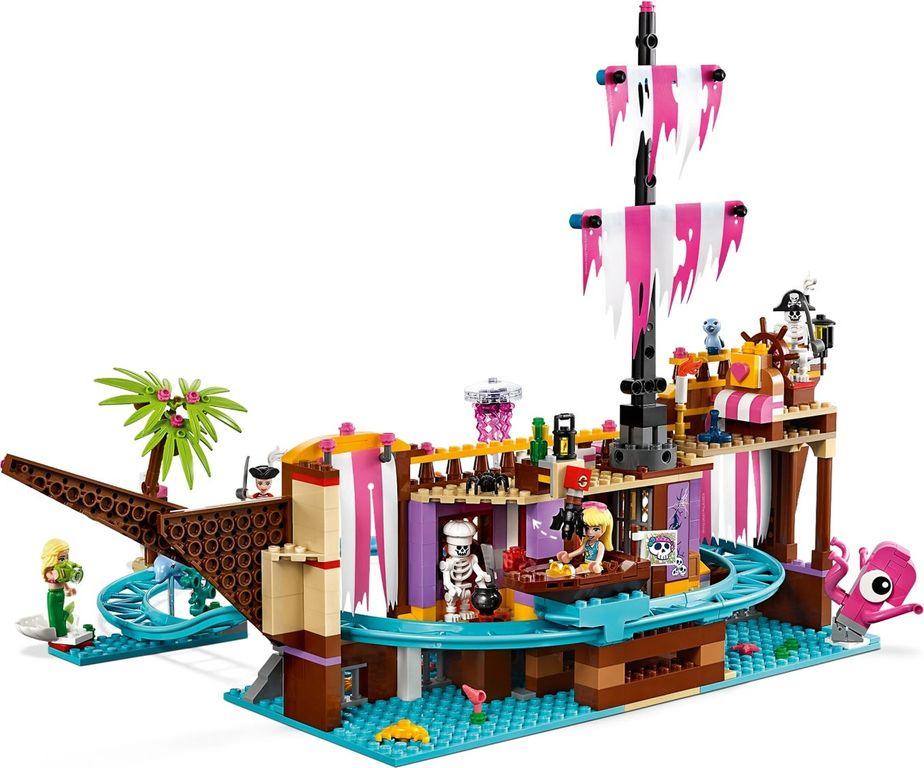 LEGO® Friends Heartlake City Amusement Pier components