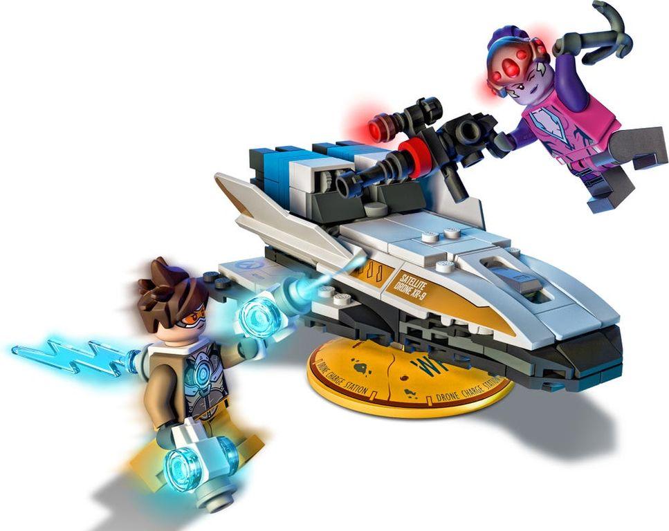 LEGO® Overwatch Tracer vs. Widowmaker gameplay