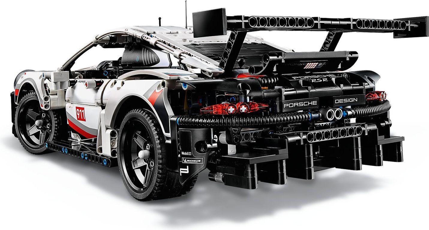 Porsche 911 RSR back side