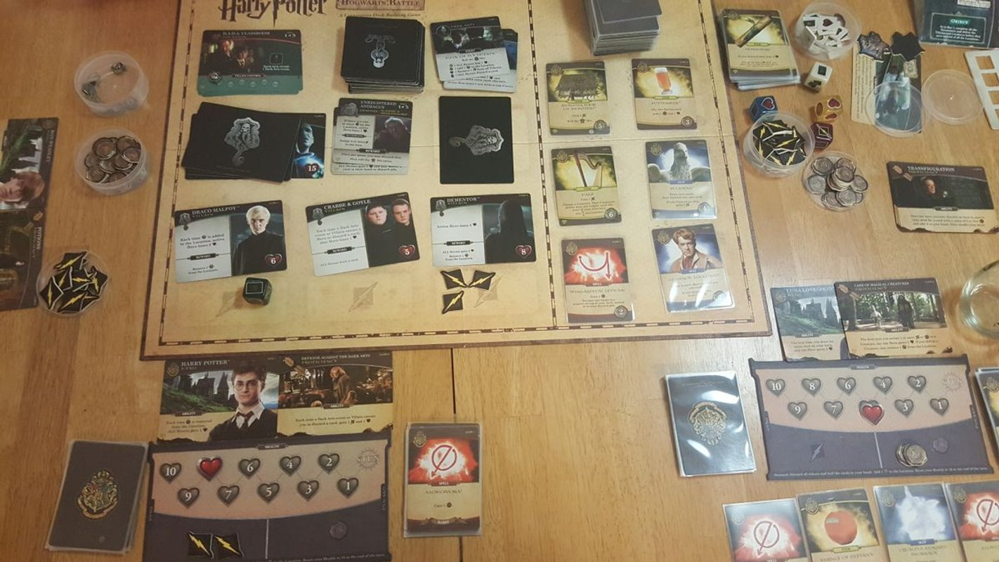 Harry Potter: Hogwarts Battle - The Monster Box of Monsters Expansion components