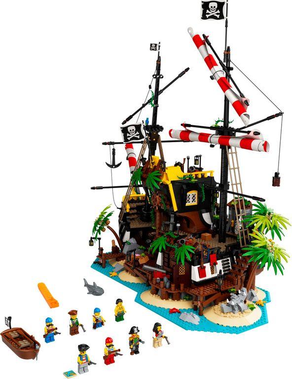 LEGO® Ideas Pirates of Barracuda Bay components