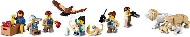 LEGO® City Wildlife Rescue Camp minifigures