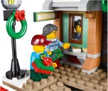 Winter Village Station minifigures