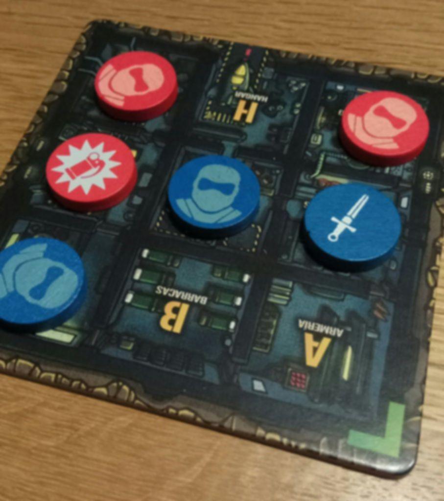 Pocket Ops gameplay
