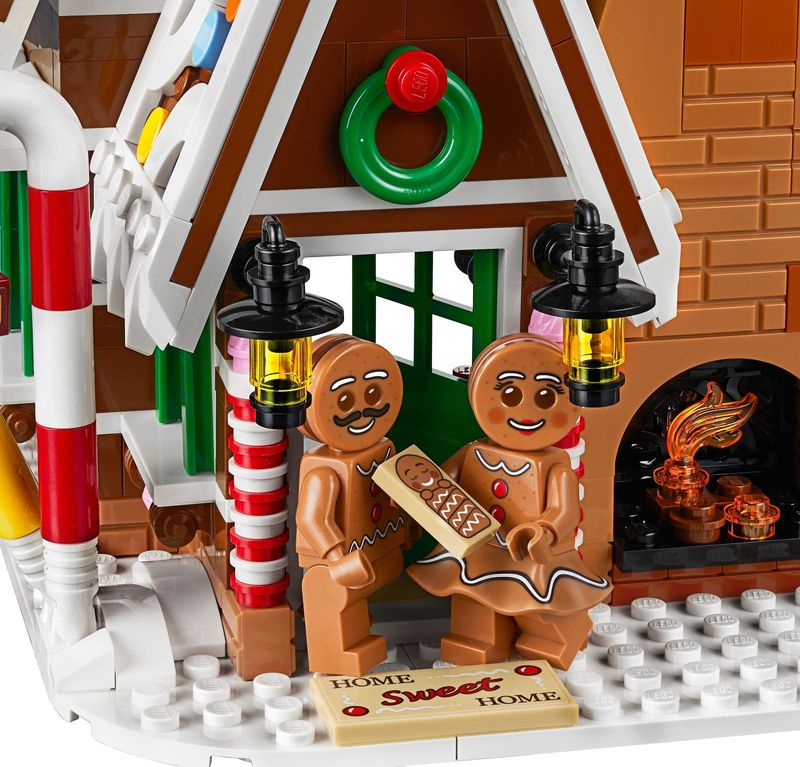 LEGO® Creator Expert Gingerbread House characters