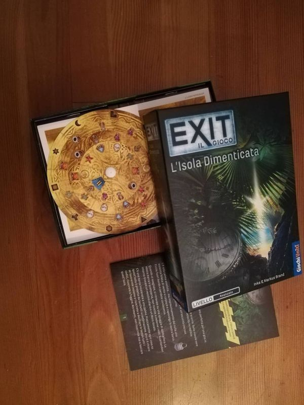 EXIT: The Game - The Forgotten Island components