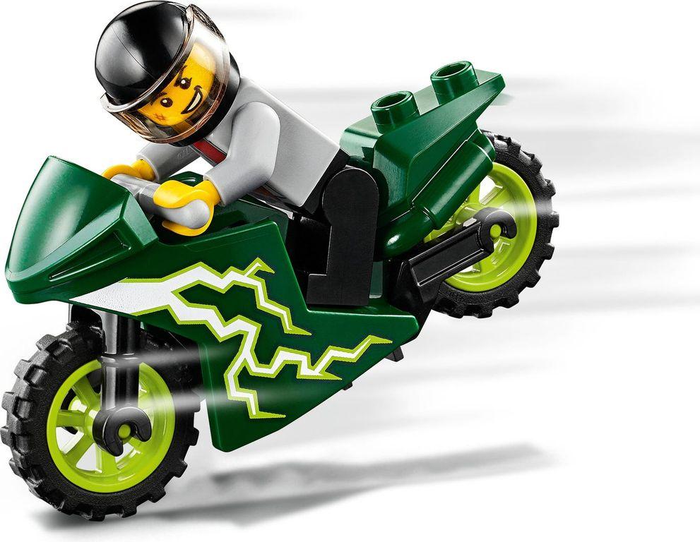 LEGO® City Stunt Team gameplay