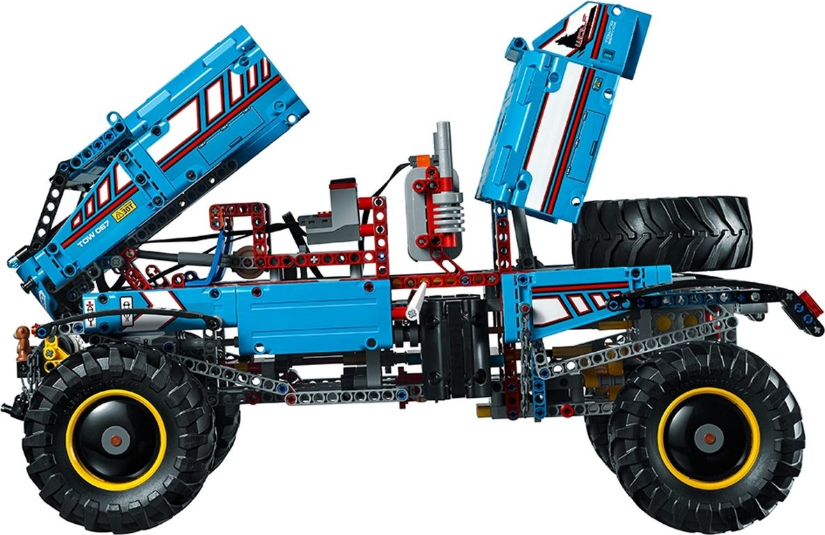 LEGO® Technic 6x6 All Terrain Tow Truck interior