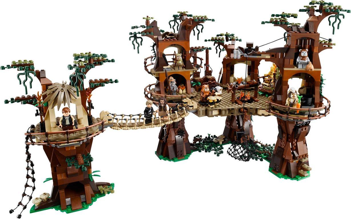 Ewok™ Village gameplay