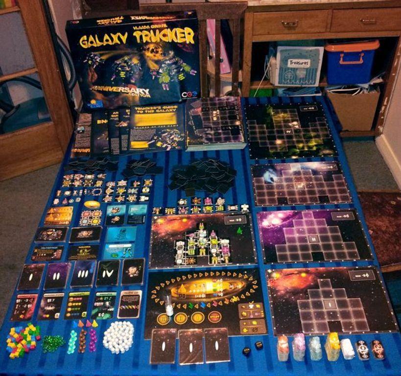 Galaxy Trucker: Anniversary Edition components