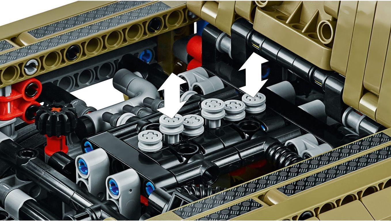 LEGO® Technic Land Rover Defender engine
