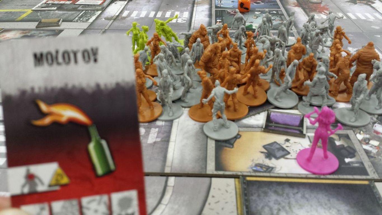 Zombicide Season 2: Prison Outbreak components