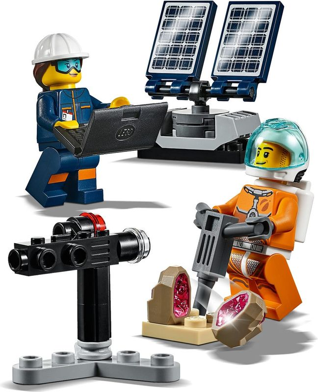 Rover Testing Drive minifigures