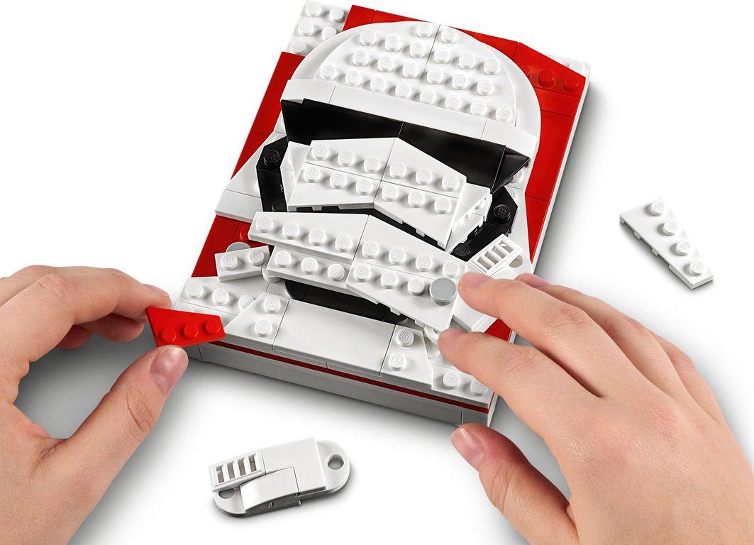 LEGO® Brick Sketches™ First Order Stormtrooper™ gameplay