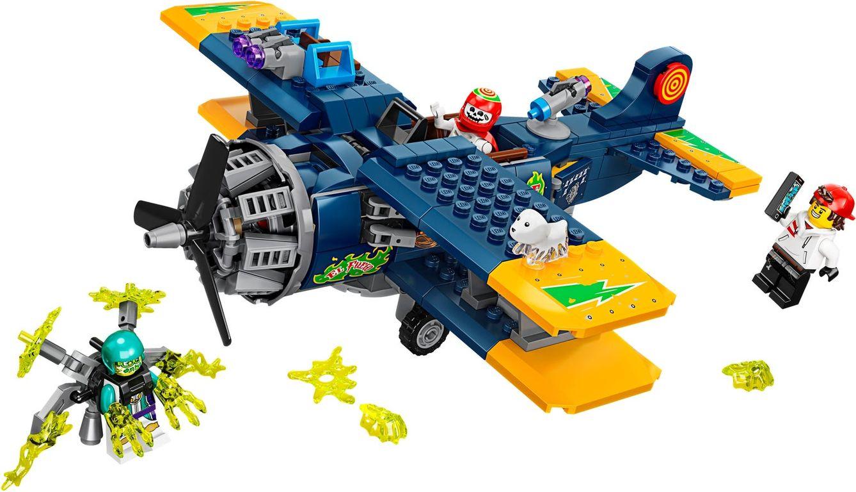 El Fuego's Stunt Plane components
