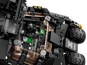 LEGO® DC Superheroes LEGO® DC Batman™ Batmobile™ Tumbler: Scarecrow™ Showdown interior