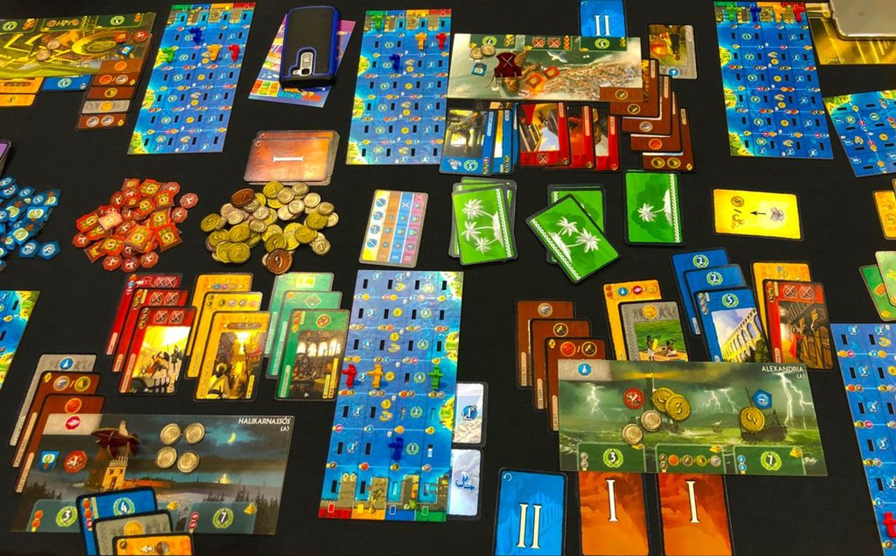 7 Wonders: Armada components