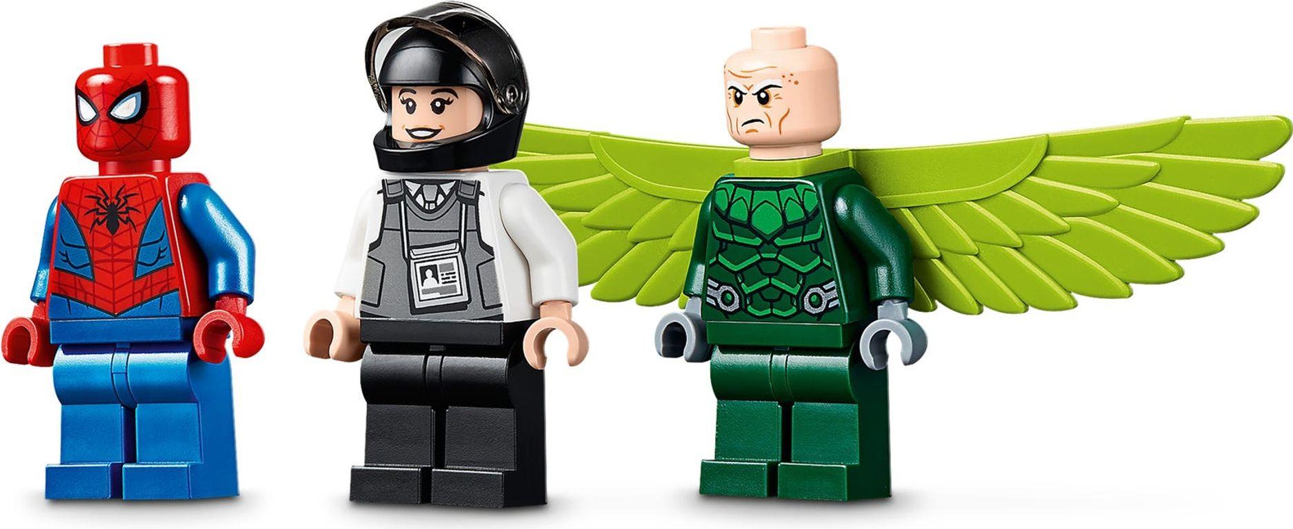 Vulture's Trucker Robbery minifigures