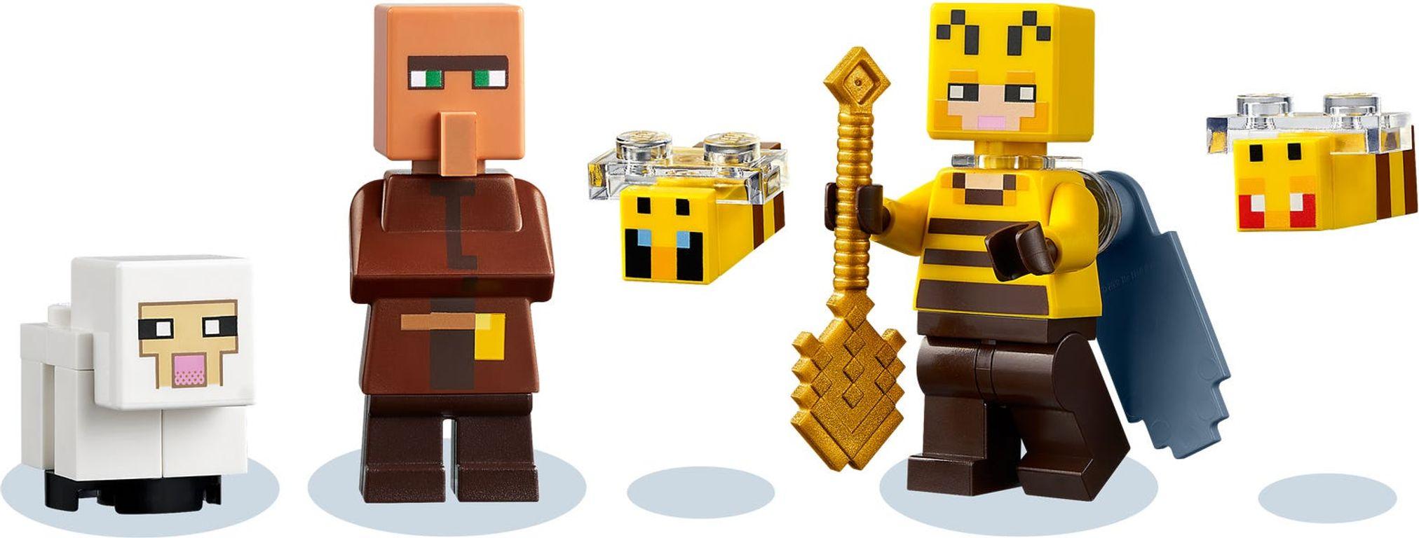 LEGO® Minecraft The Bee Farm minifigures