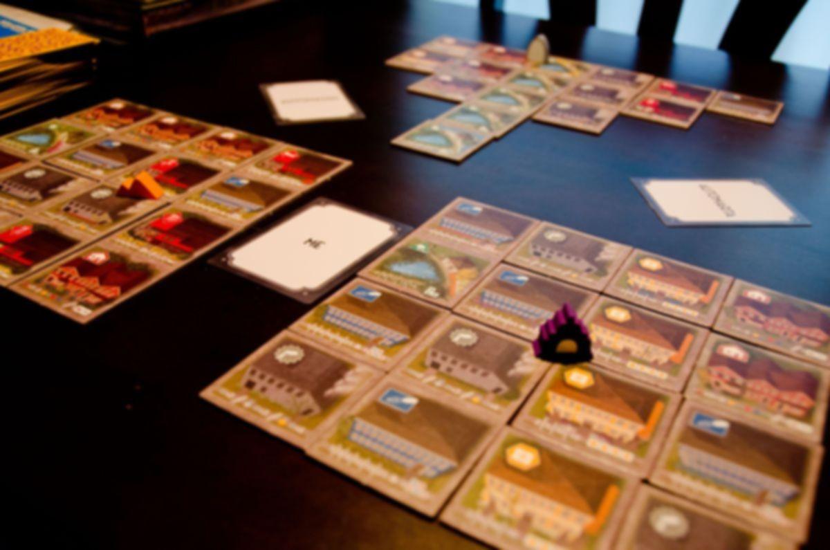 Between Two Cities gameplay