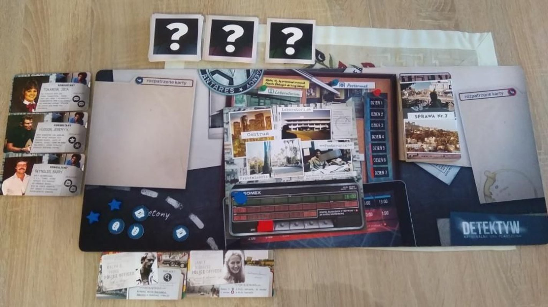 Detective: A Modern Crime Board Game - L.A. Crimes components