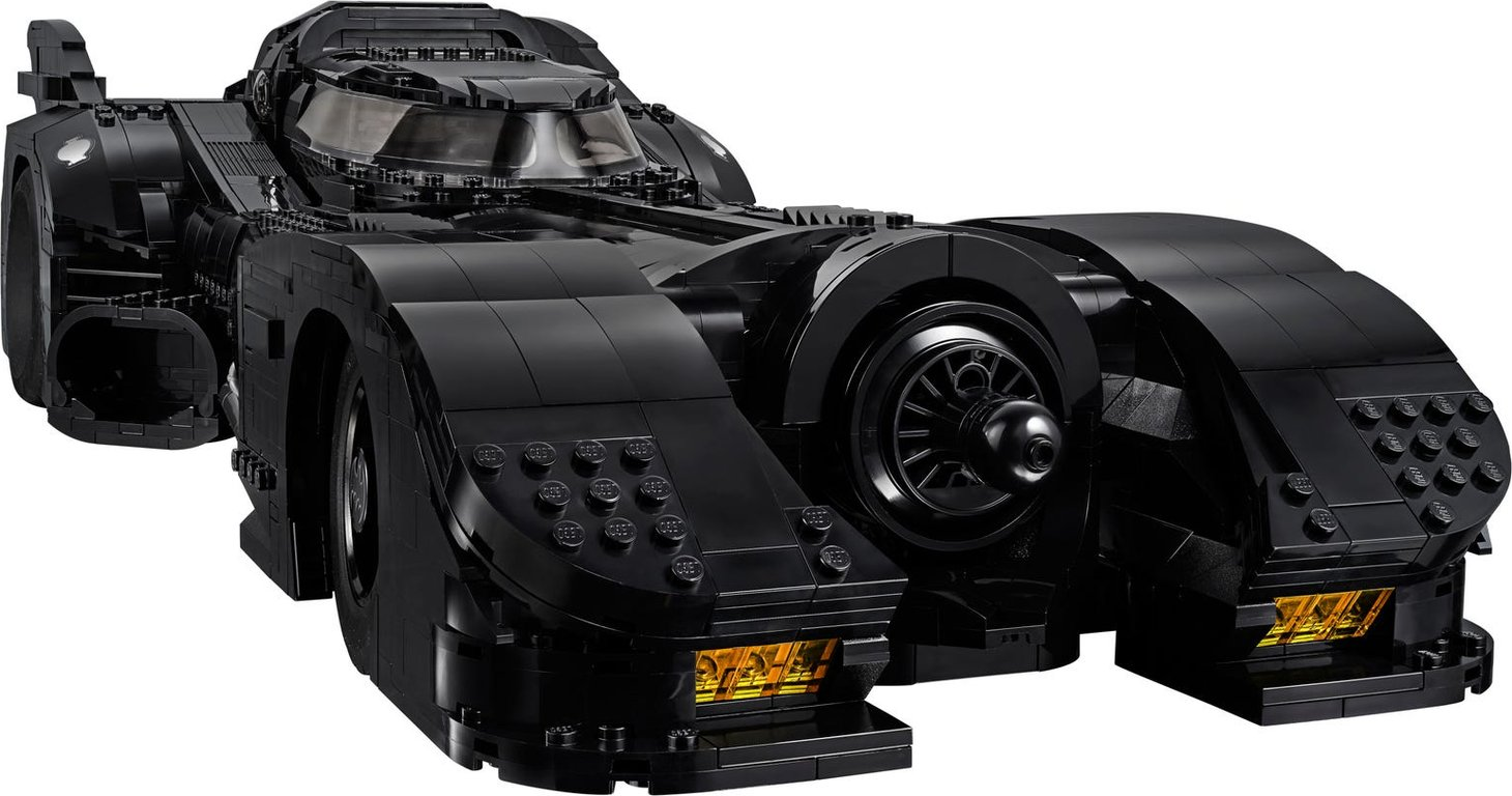 LEGO® DC Superheroes 1989 Batmobile™ gameplay